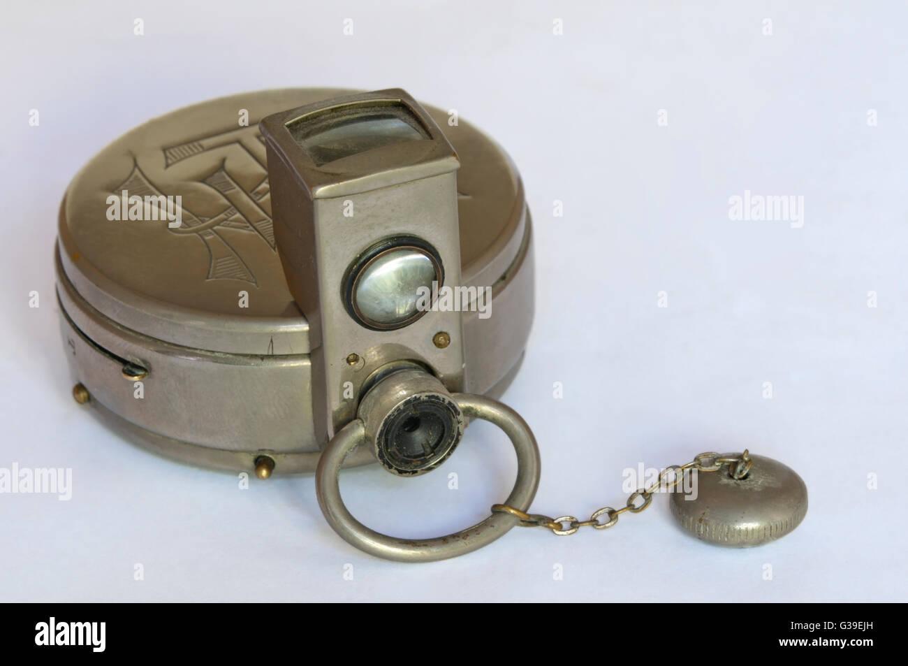 Un Houghton Ticka Watch caméra avec accessoire viseur. Photo Stock