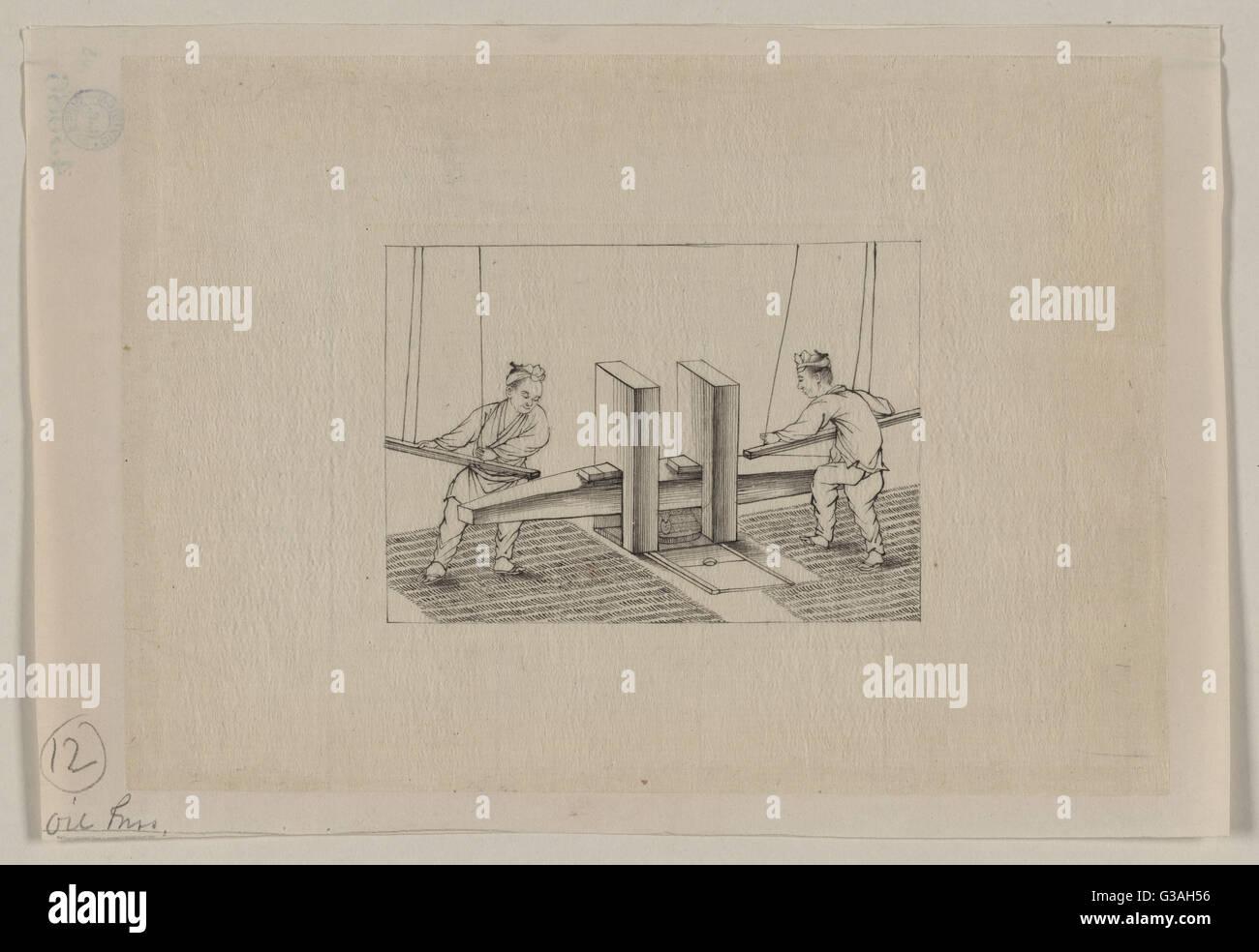 Presse à huile. Dessin montre deux hommes à l'aide de tiges filetées suspendus par des cordes Photo Stock