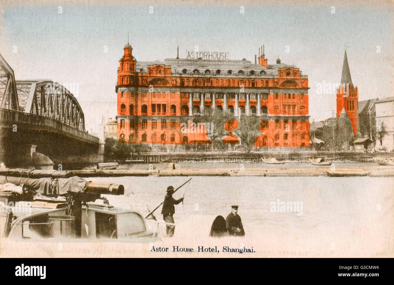 Chine - Shanghai - Astor House Hotel, le jardin (pont Waibaidu) (sur la rivière Suzhou) et l'Église allemande Date: Banque D'Images