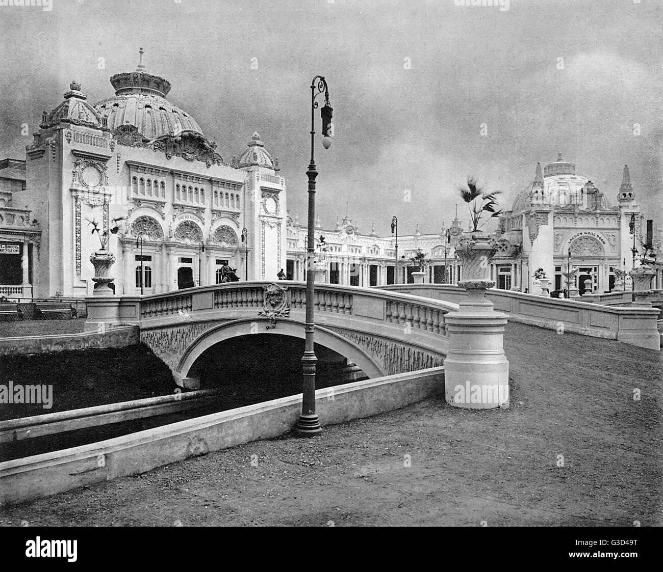 Photographie de la Fine Arts Palace dans un livret souvenir pour l'exposition franco-britannique, qui a eu lieu Photo Stock
