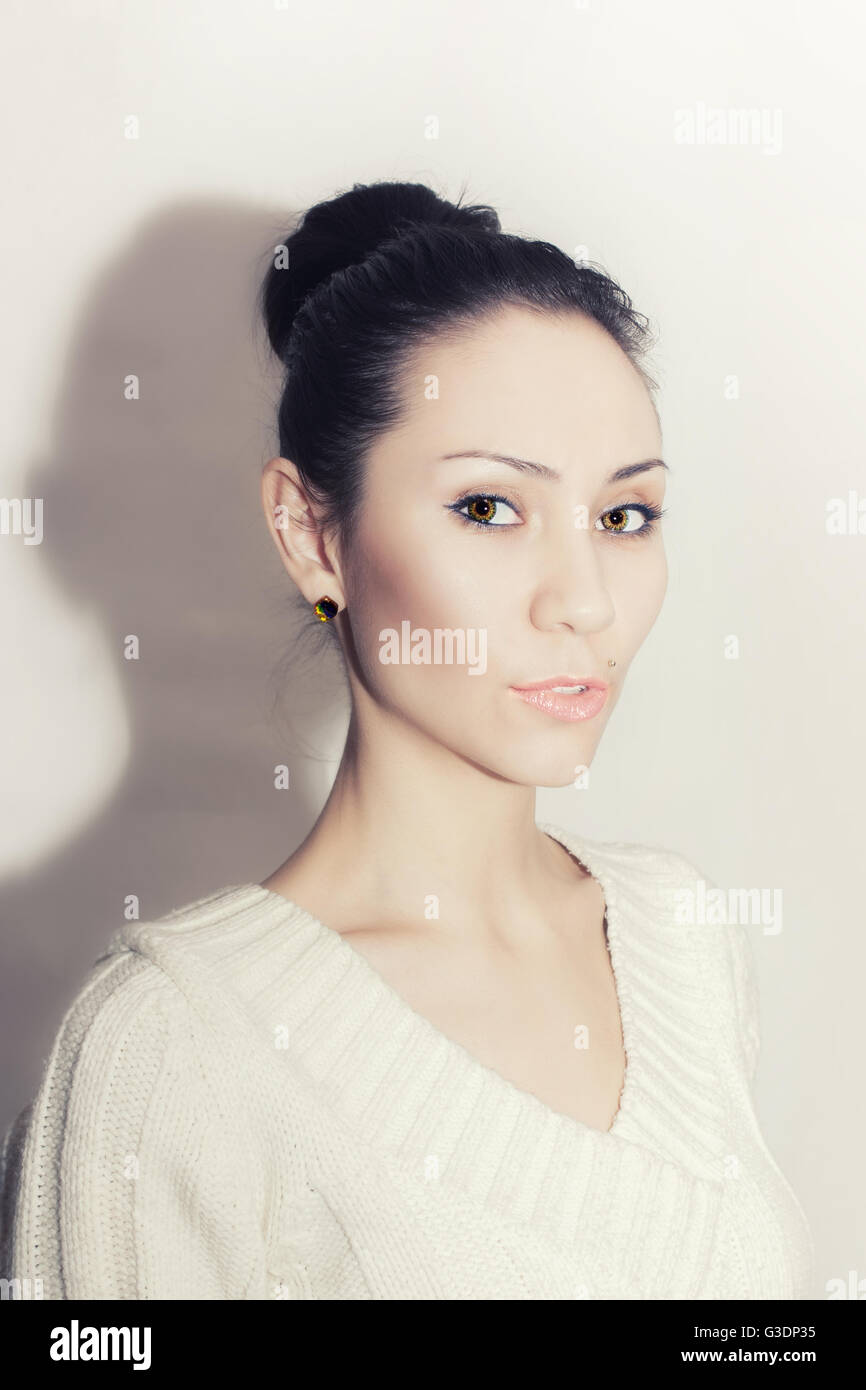 Portrait of beautiful Young Asian woman on white background Banque D'Images