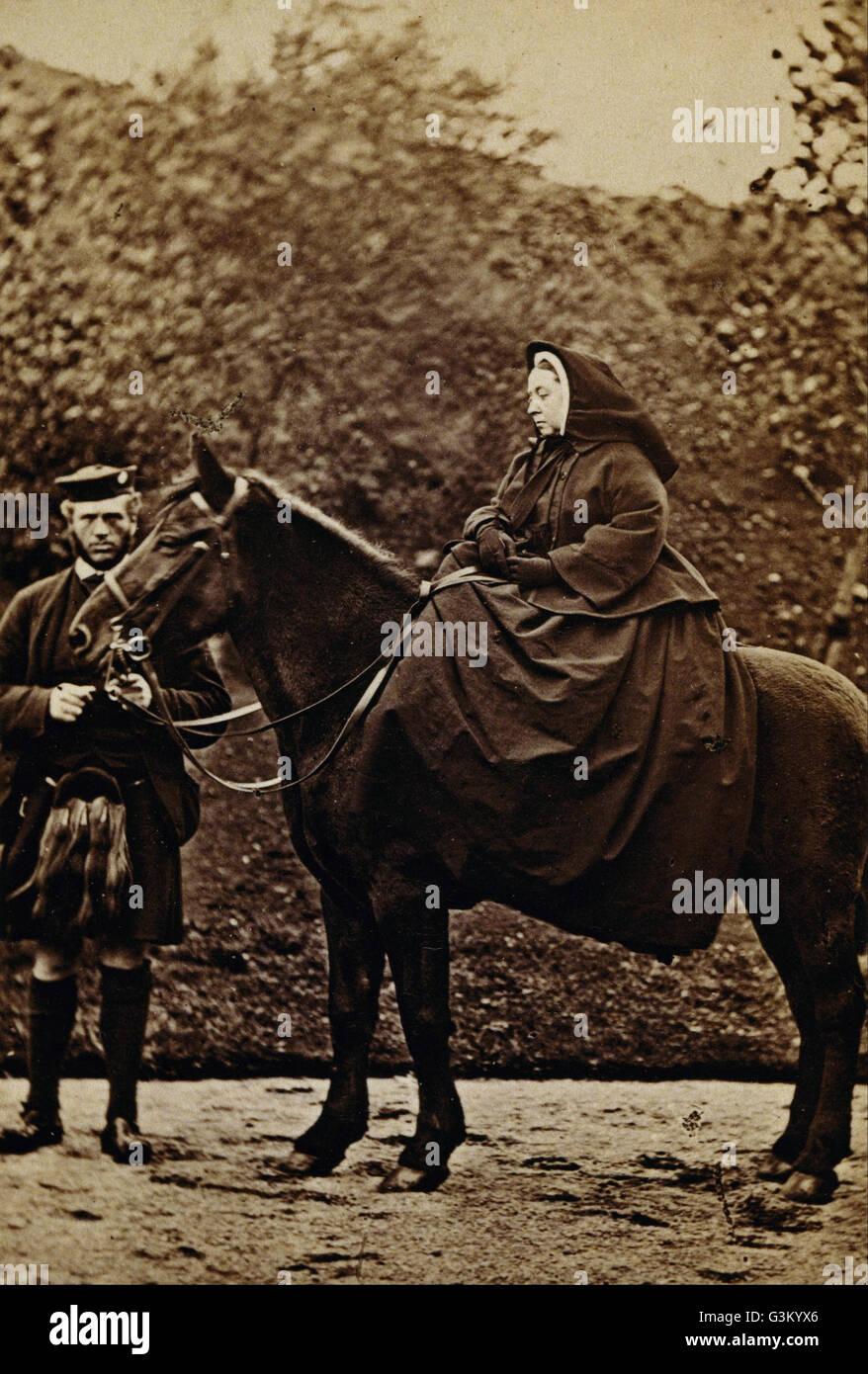 George Washington Wilson - La reine Victoria le 'Fyvie' avec John Brown à Balmoral - Photo Stock