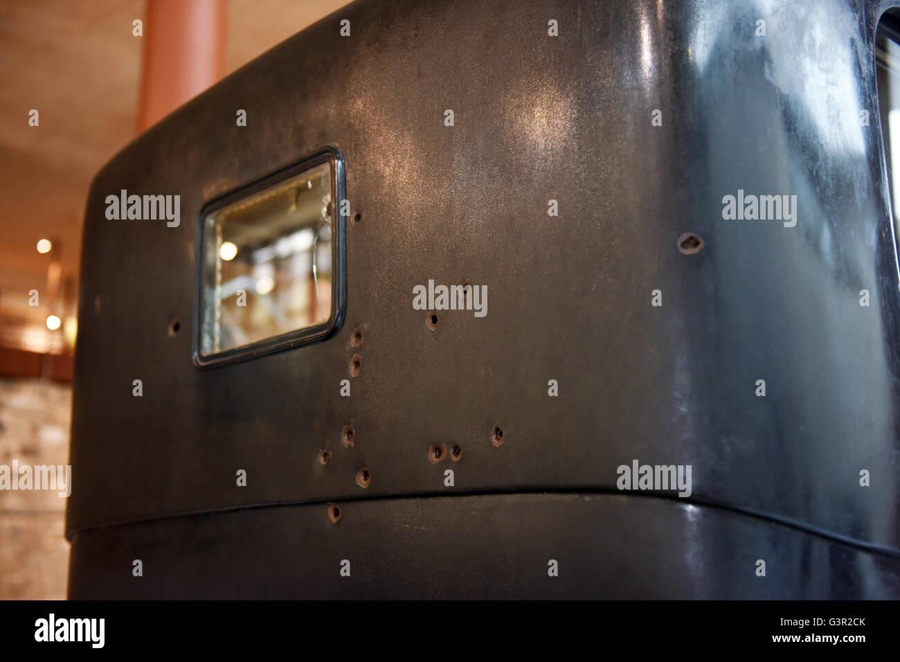 Trous de balle dans la Marmon 34 voiture automobile véhicule dans lequel l'espagnol leader politique et Photo Stock