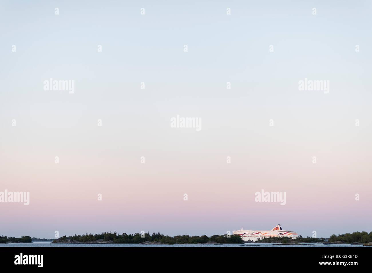 La Suède, l'archipel de Stockholm, Uppland, Fejan, de voir le ciel à l'aube Banque D'Images