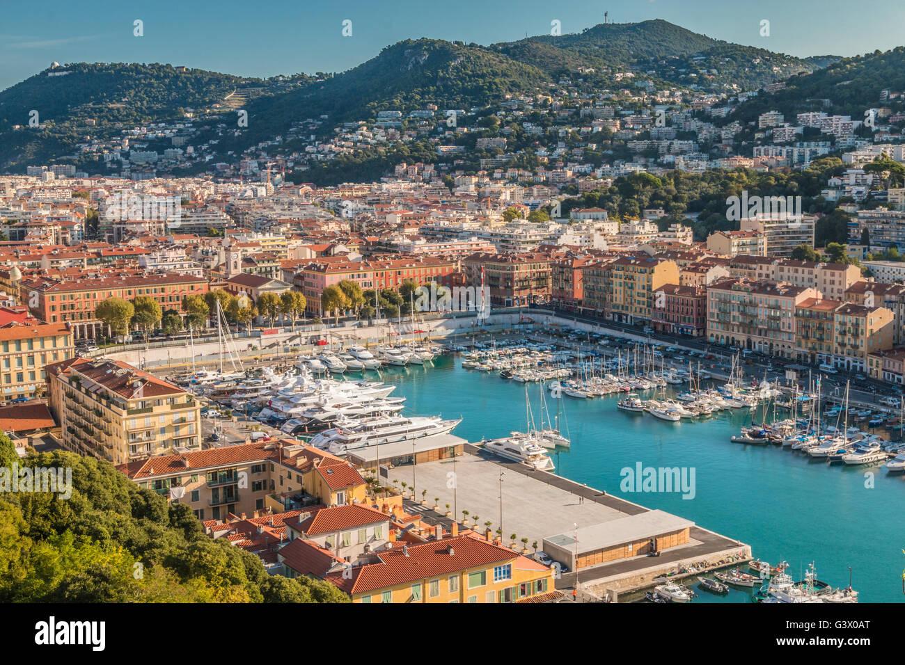 Vue sur port de Nice, dans le sud de la France Photo Stock