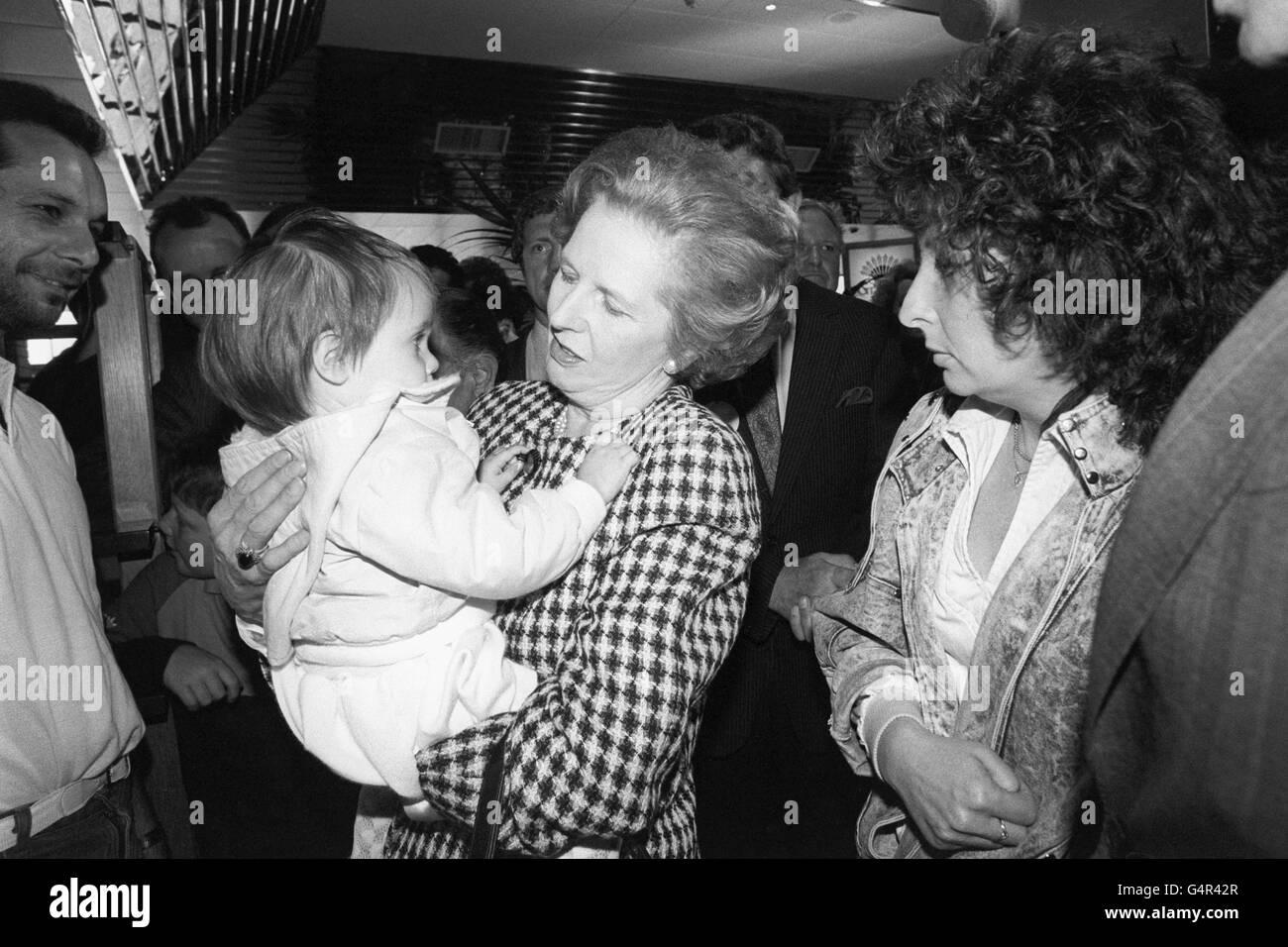 Politique - 1987 Campagne électorale générale - Margaret Thatcher - South Mimms Service Station Banque D'Images