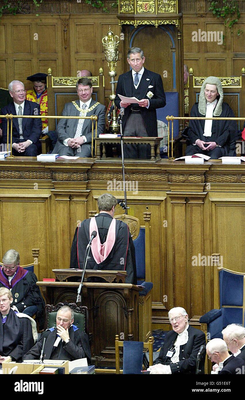 Le Prince de Galles à l'Assemblée générale de l'Église d'Écosse à Édimbourg, où il a fait l'éloge de la culture et des traditions de l'Écosse. Le prince, prenant la parole en tant que premier héritier du trône à s'adresser à l'Assemblée générale, a déclaré qu'il connaissait l'Écosse $infiniment mieux que toute autre partie du Royaume-Uni. Voir PA News Story ROYAL Prince Substitut. Photo de Robert Perry/Ecosse dimanche Banque D'Images