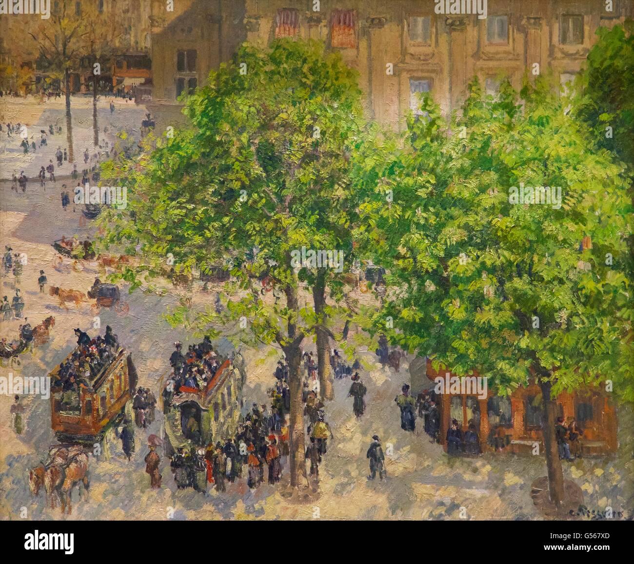 Place du Theatre Francais à Paris, par Camille Pissarro, 1898, Musée de l'Ermitage, Saint-Pétersbourg, Photo Stock