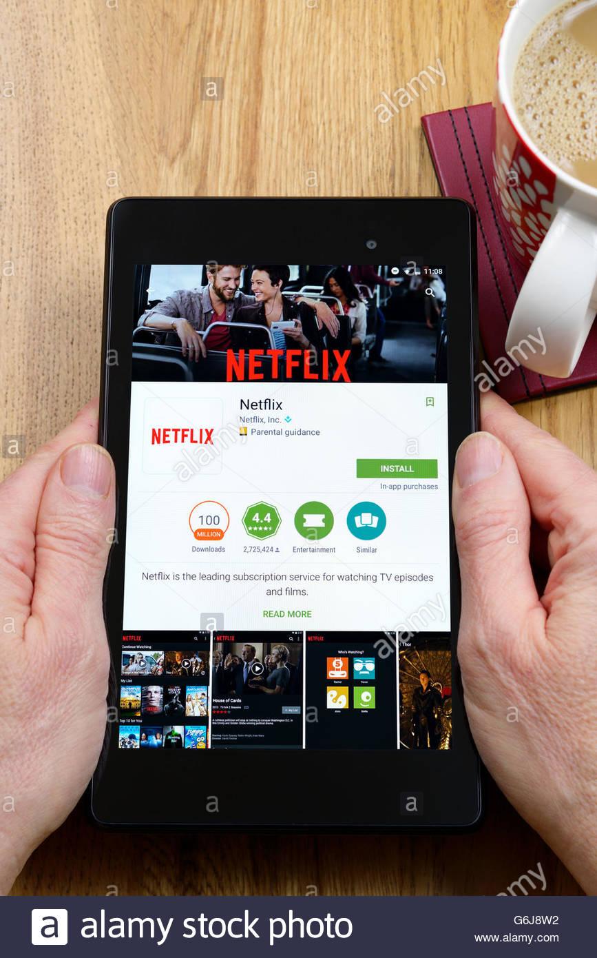 Sur demande service de streaming Netflix, app sur un Android Tablet PC, Dorset, England, UK Photo Stock