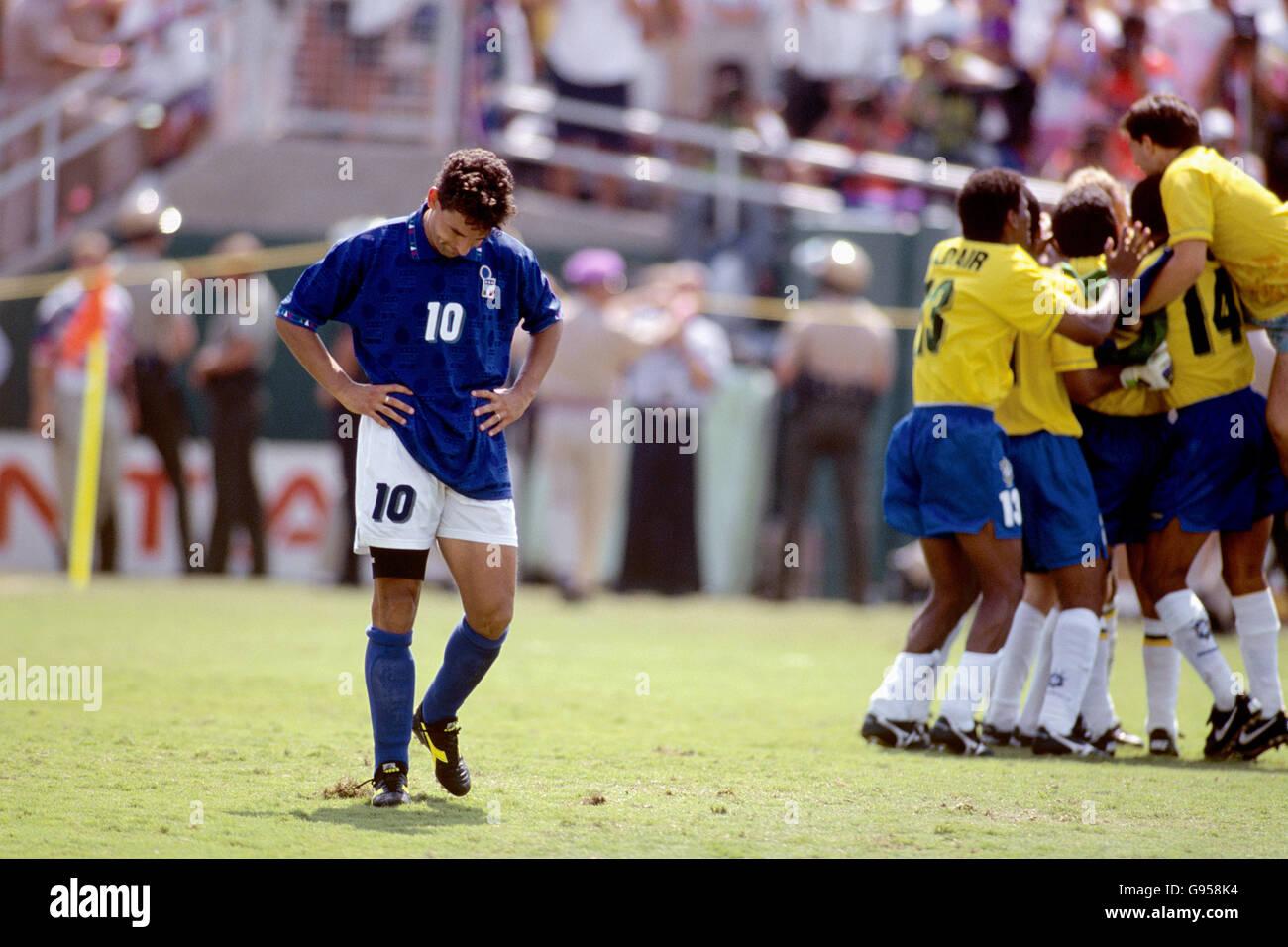 Roberto 1994 baggio photos roberto 1994 baggio images alamy - Coupe du monde football 1994 ...