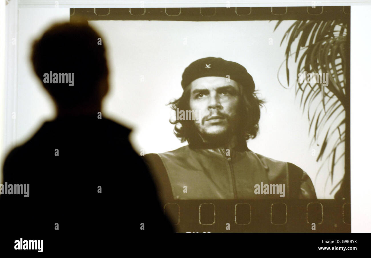 An Enlargement Of The Iconic Image Of Ernesto Che Guevara Photos