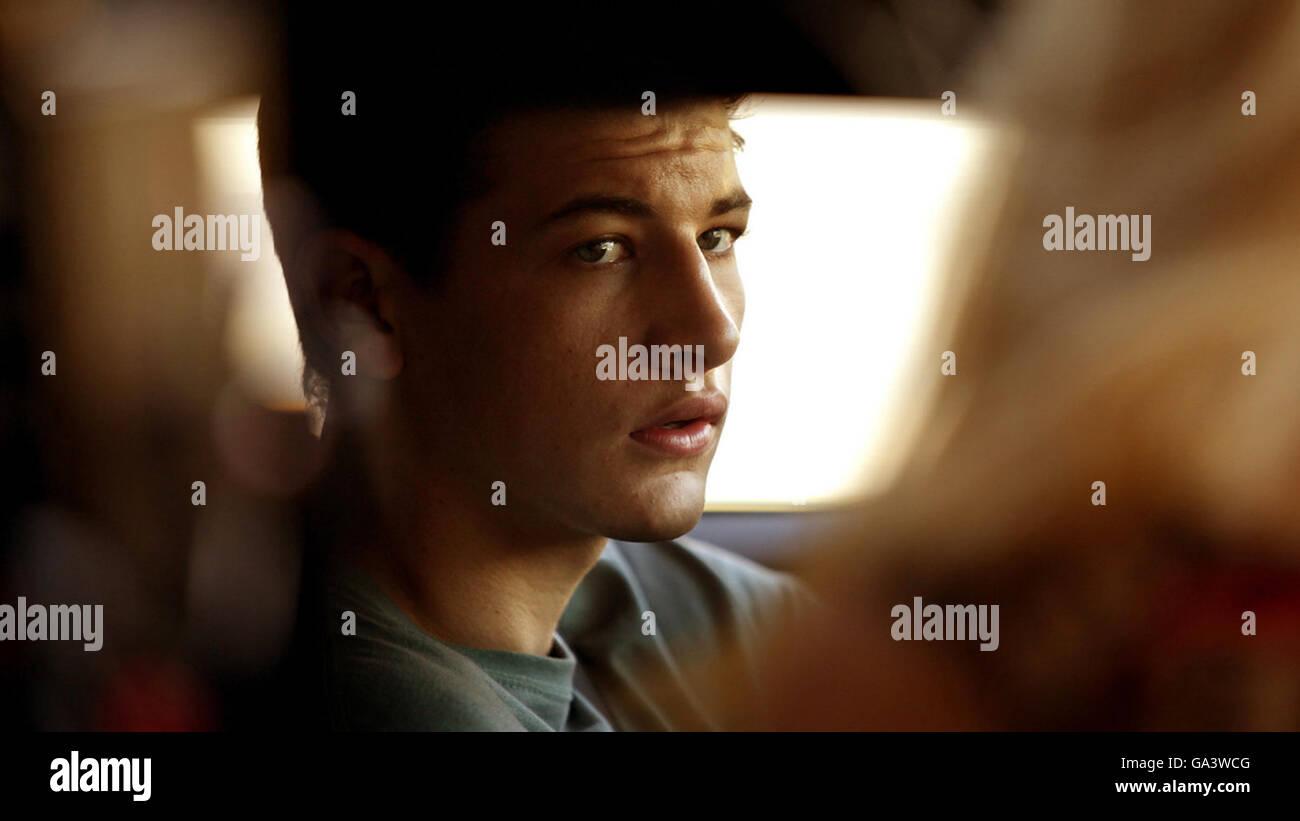 Détour est un thriller psychologique à venir film écrit et réalisé par Chris Smith et avec Photo Stock