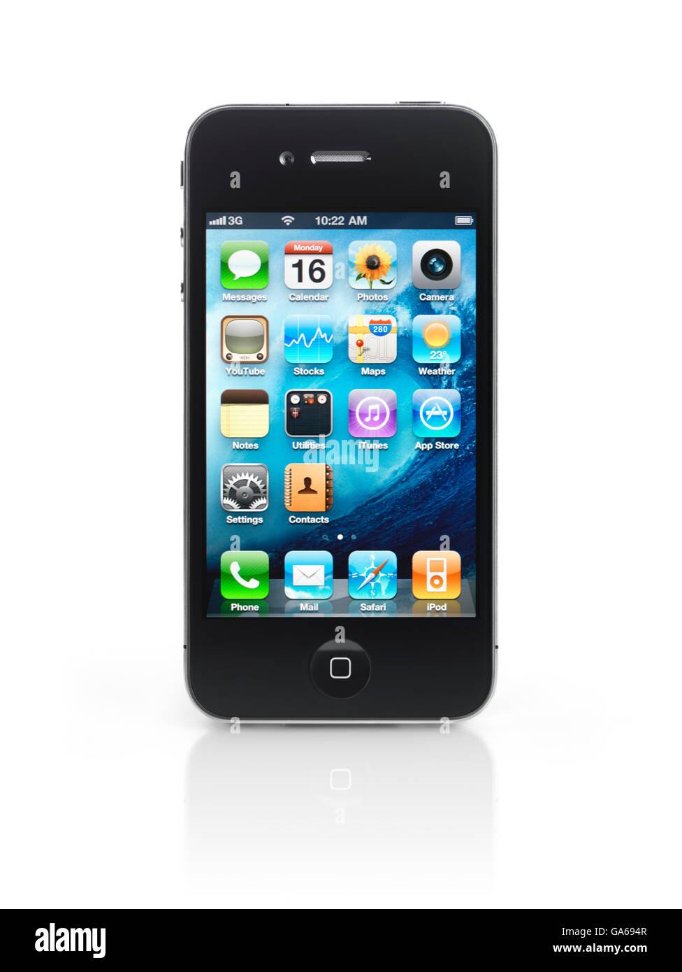 Smartphone Apple iPhone 4 avec des icônes du bureau sur son écran Photo Stock