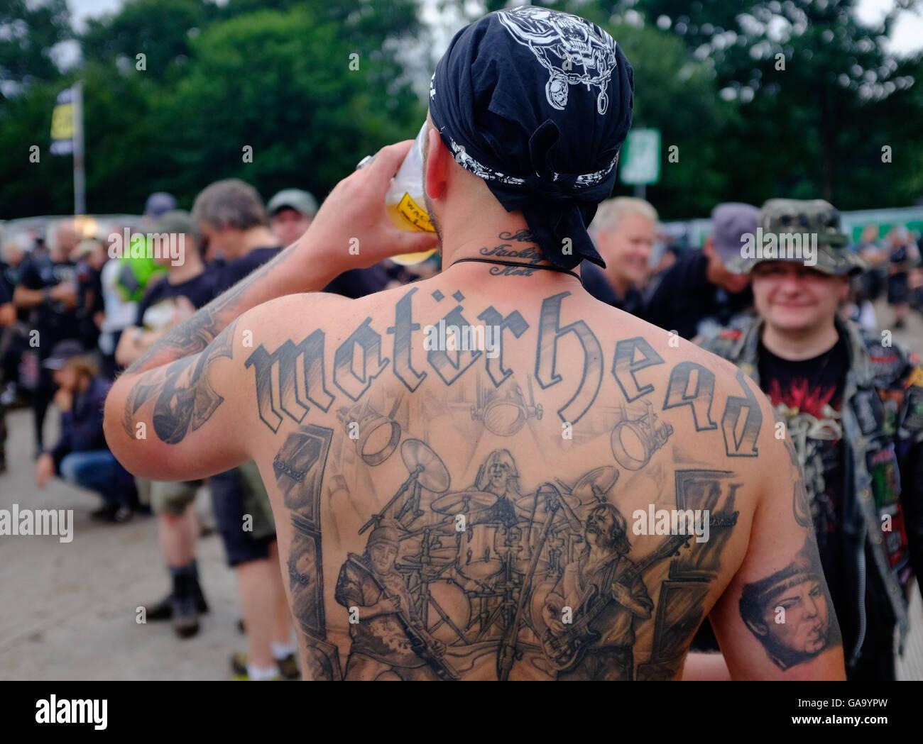 Le Wacken Allemagne 4e Aout 2016 Un Fan De Metal Avec Un Tatouage