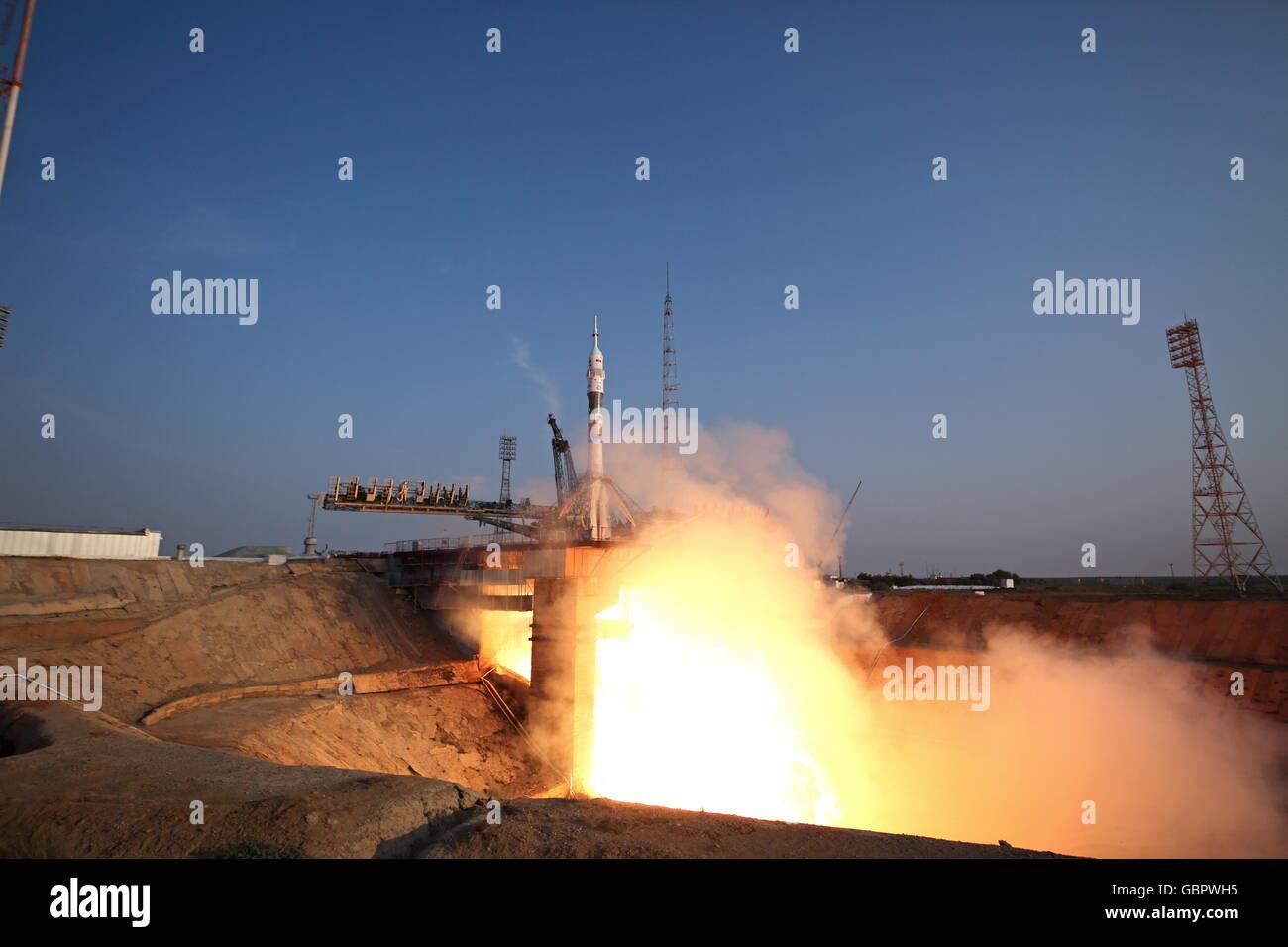 Cosmodrome de Baïkonour, au Kazakhstan. 7 juillet, 2016. Une fusée Soyouz-FG booster transportant le vaisseau Soyouz Banque D'Images