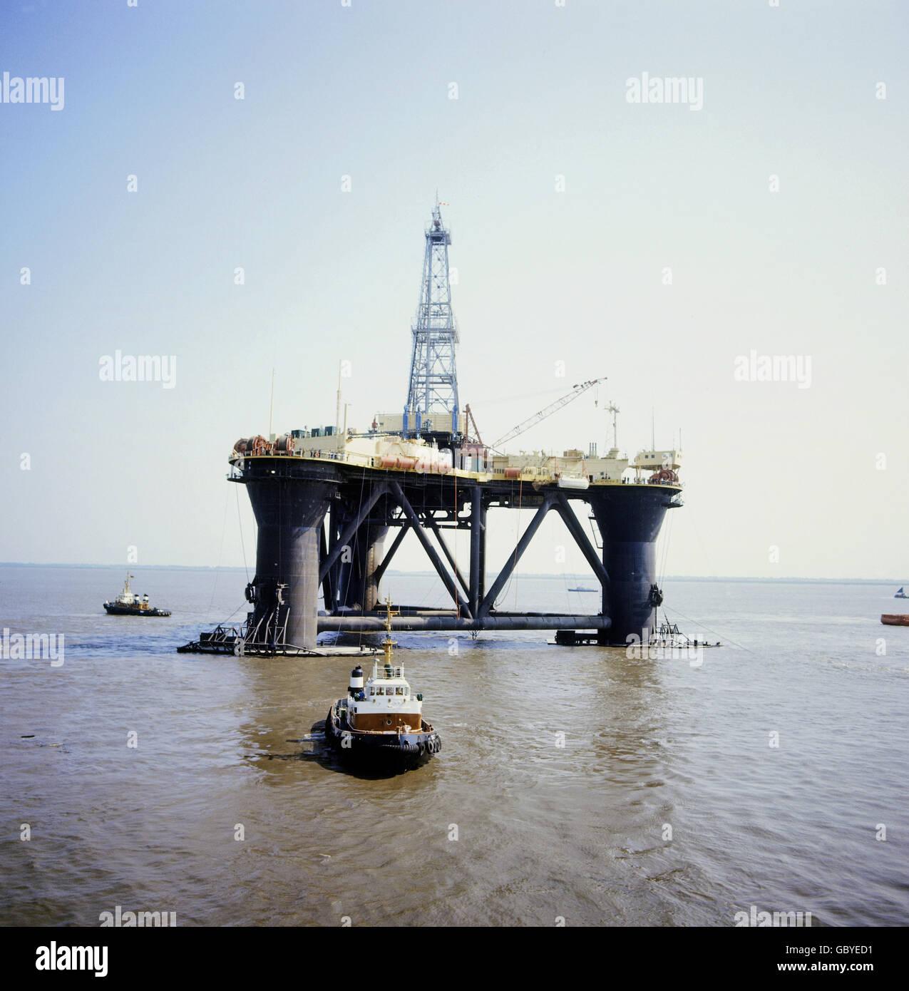 datant des plates-formes pétrolières