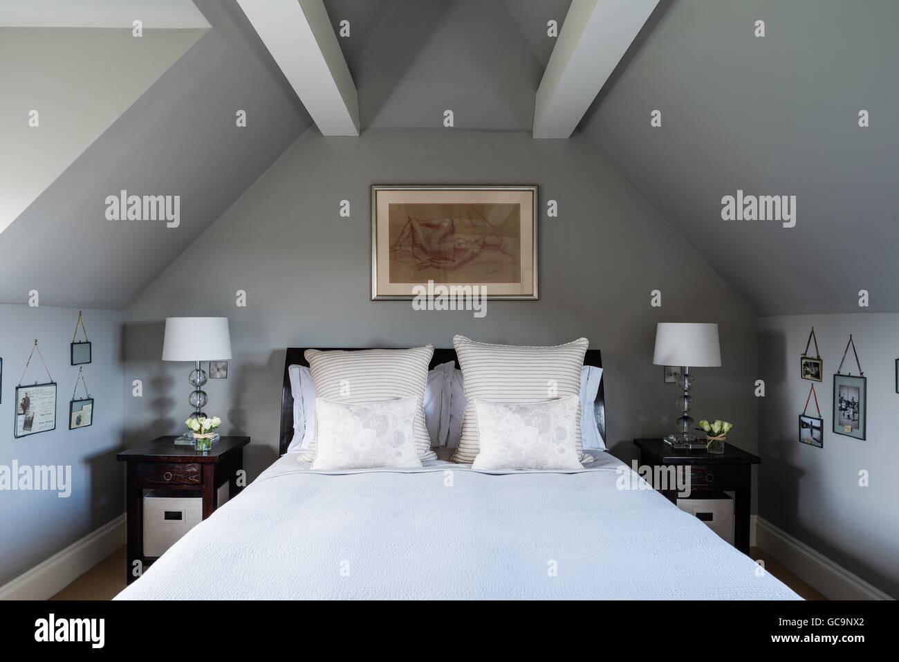 100 Incroyable Concepts Chambre Avec Mur En Pente