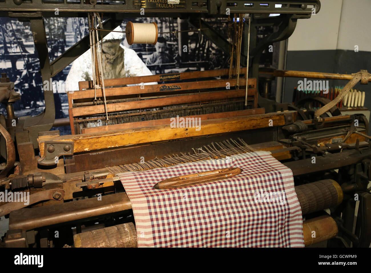Usines de textile. 19e siècle. Femme a travaillé dans l'industrie textile. La reproduction. Espagne.Musée Photo Stock