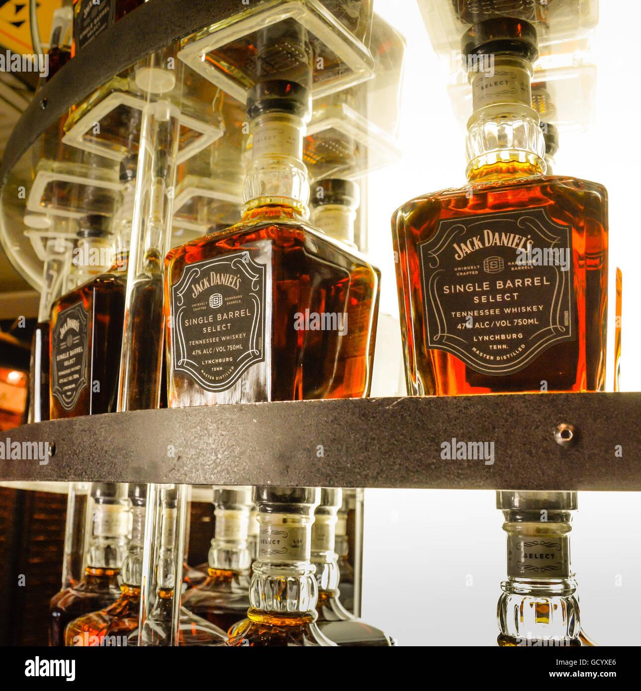 datant Jack Daniels bouteille définition de datation radioactive dans la science