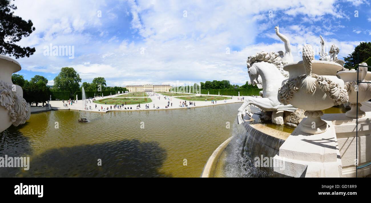 Wien, Vienne: Château de Schönbrunn: vue sur la Fontaine de Neptune à l'Église, Photo Stock