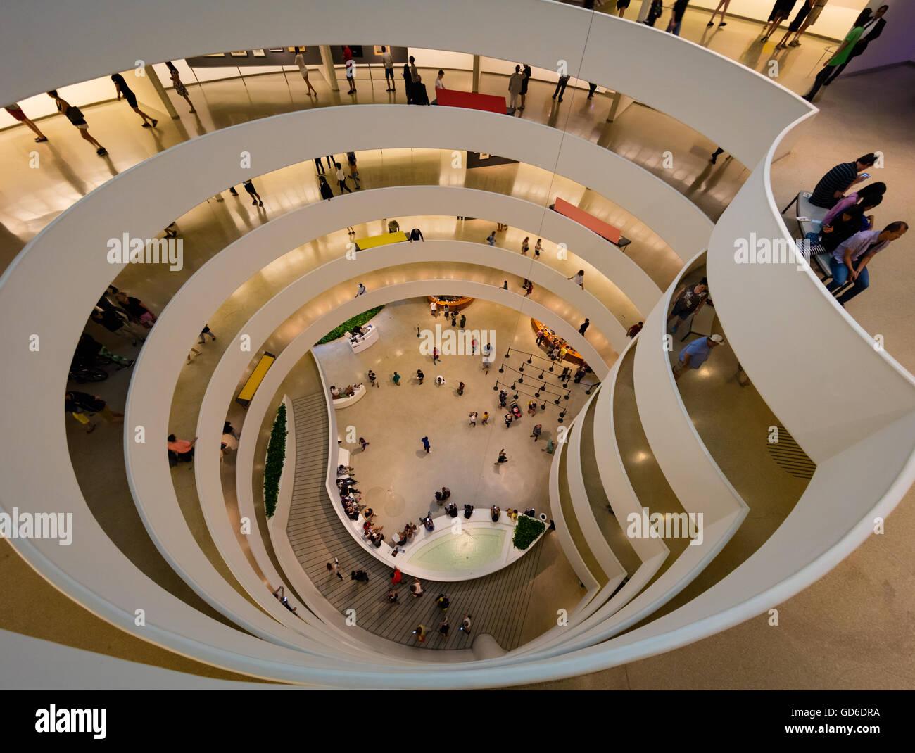 Le Musée Solomon R. Guggenheim est un musée d'art situé à New York City Banque D'Images