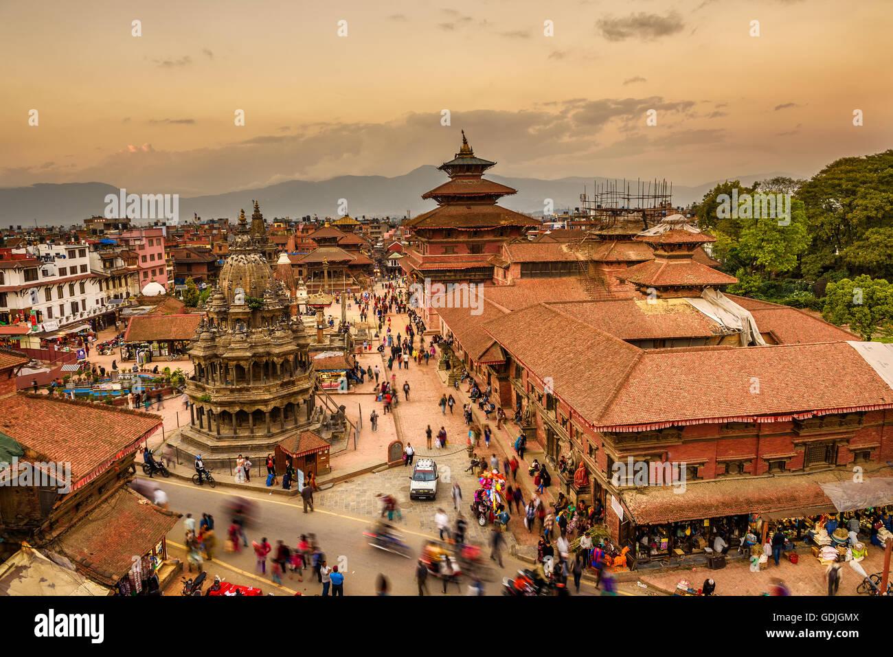 Coucher de soleil sur Patan Durbar Square au Népal Photo Stock