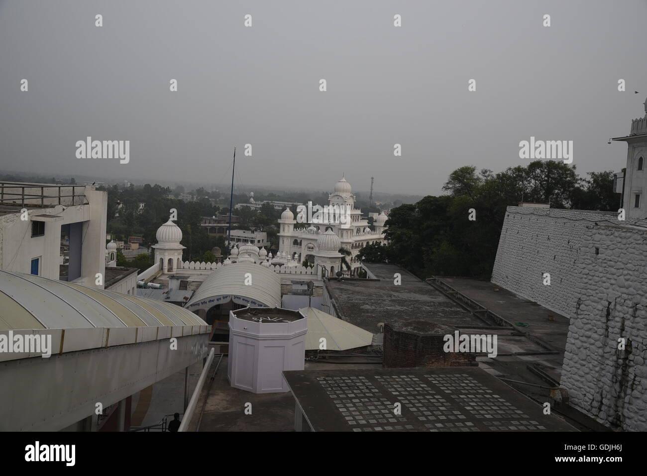 Vue de dessus de Gurudwara Qila Anandgarh Gurdwara Anandpur Sahib dans de Rupnagar district,Punjab, Inde Banque D'Images