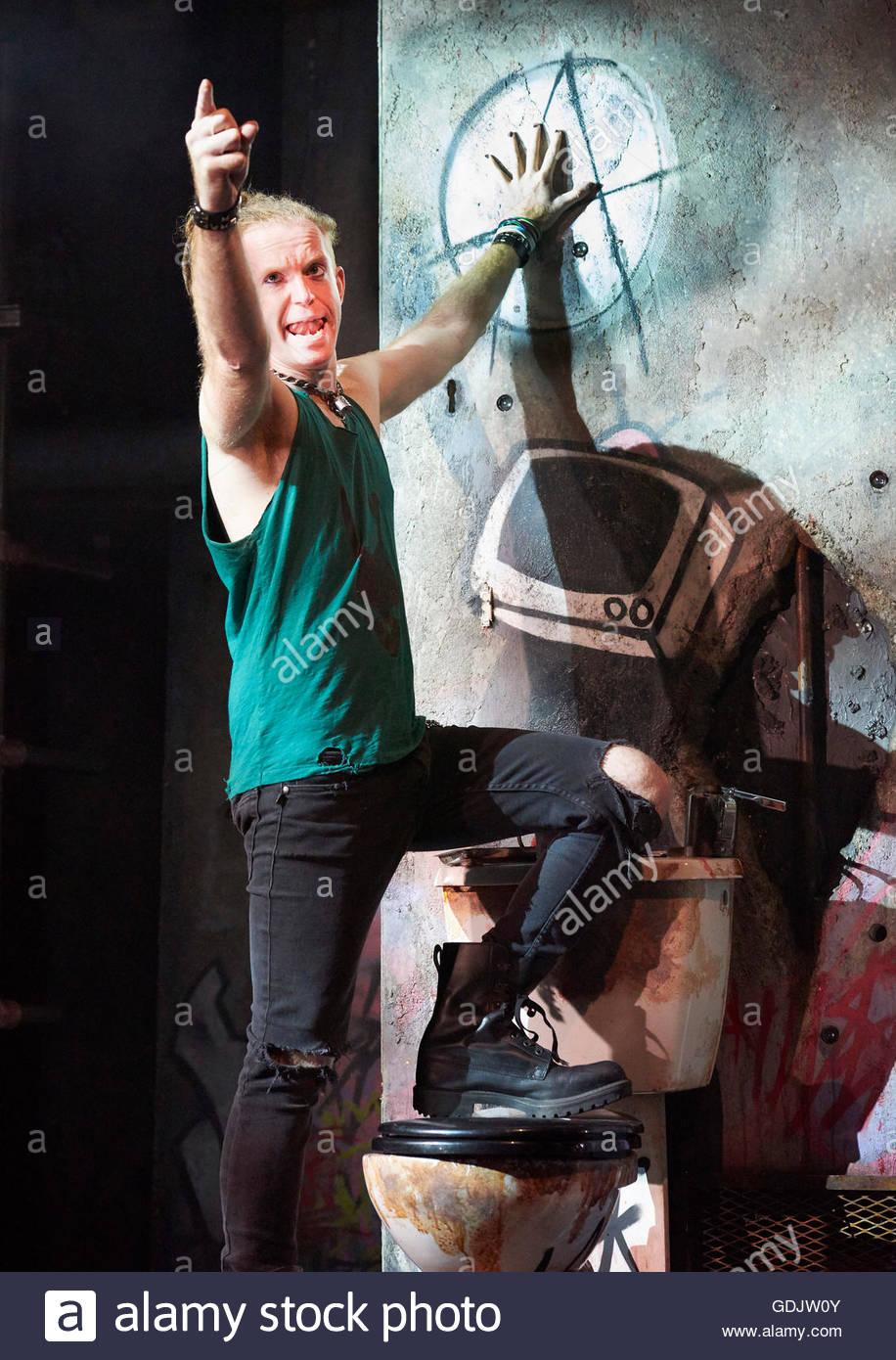 American Idiot The Musical. Basé sur l'album de Green Day. Paroles et musique de Billie Joe Armstrong livre de Billie Banque D'Images
