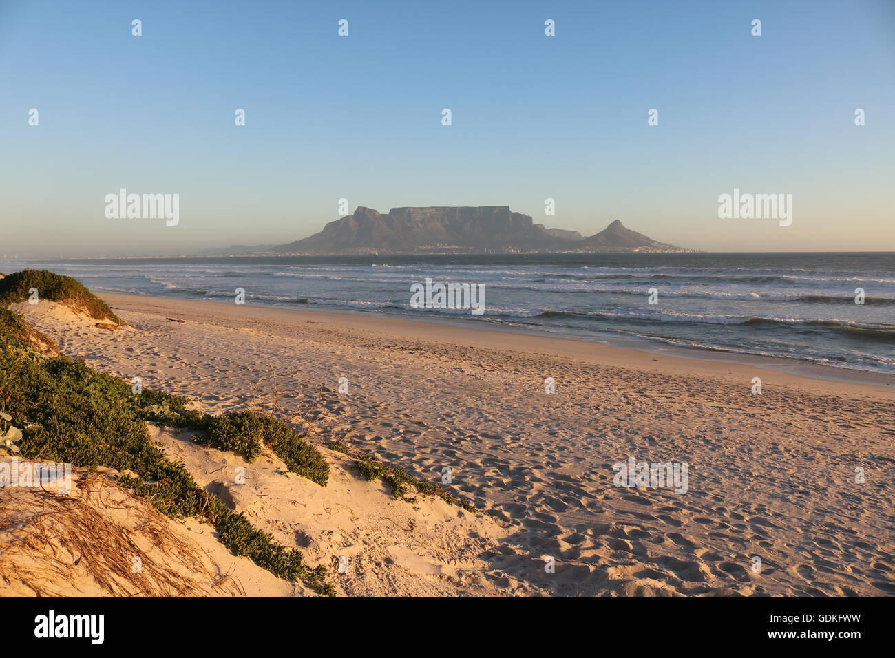 Coucher de soleil sur table mountain Cape town afrique du sud Photo Stock