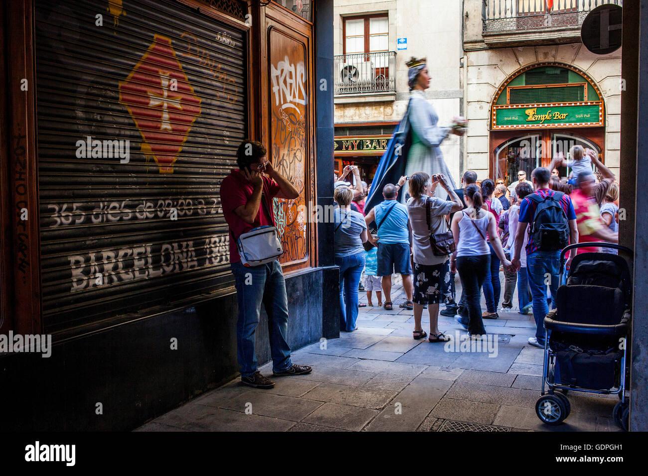 Au cours de la Merce géants Festival, dans la rue Ferran. Barcelone. La Catalogne. Espagne Banque D'Images