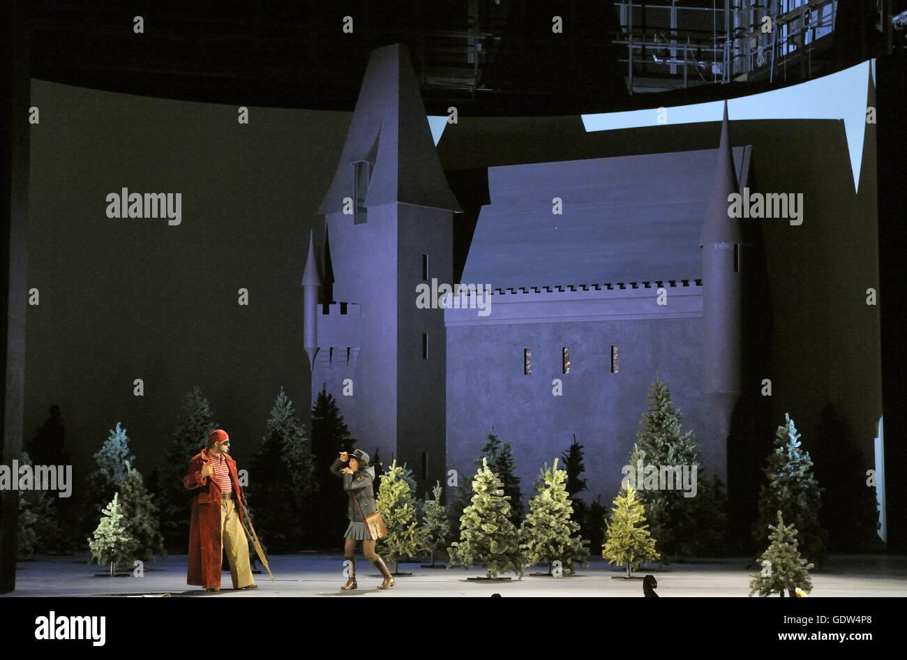 """""""Orlando Paladino"""", mise en scène Nigel Lowery et Amir Hosseinpour Banque D'Images"""