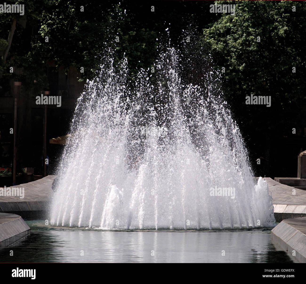 Grande fontaine au centre-ville de Belgrade, Serbie Banque D'Images