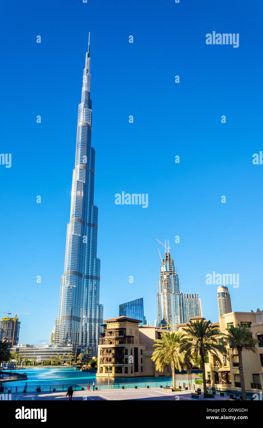 Vue sur la tour Burj Khalifa à Dubaï, aux Émirats arabes unis Photo Stock