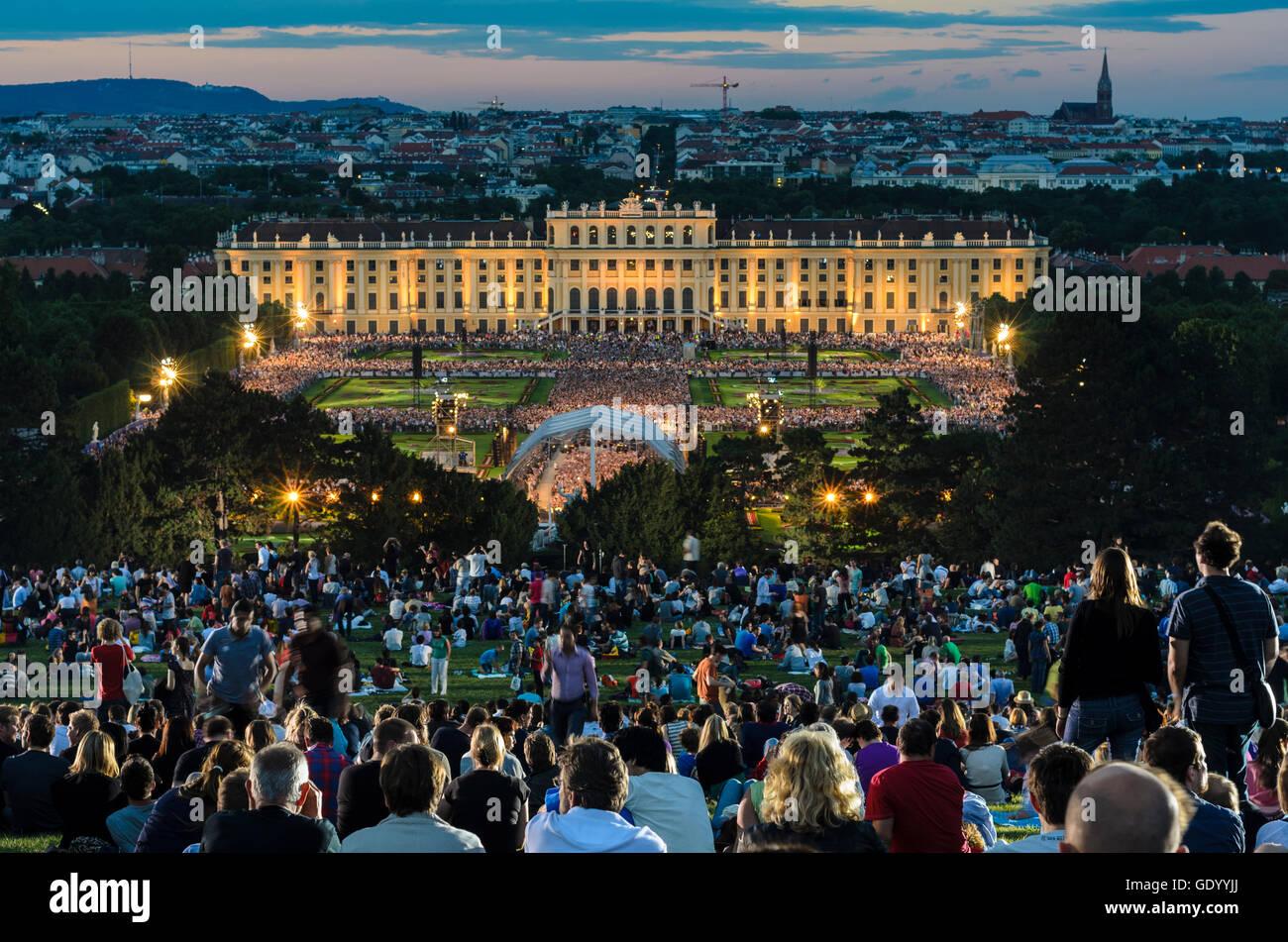 Wien, Vienne: Summer Night Concert de l'Orchestre philharmonique de Vienne dans le parc du Palais Schönbrunn, Photo Stock