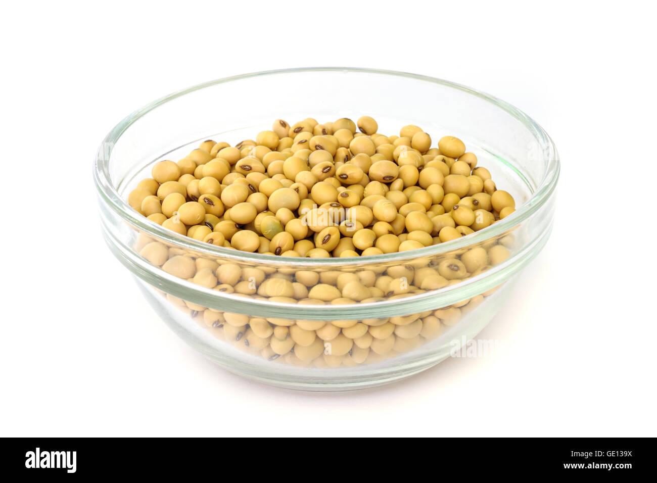 Sur la cuvette de soja isolé sur un fond blanc. Photo Stock