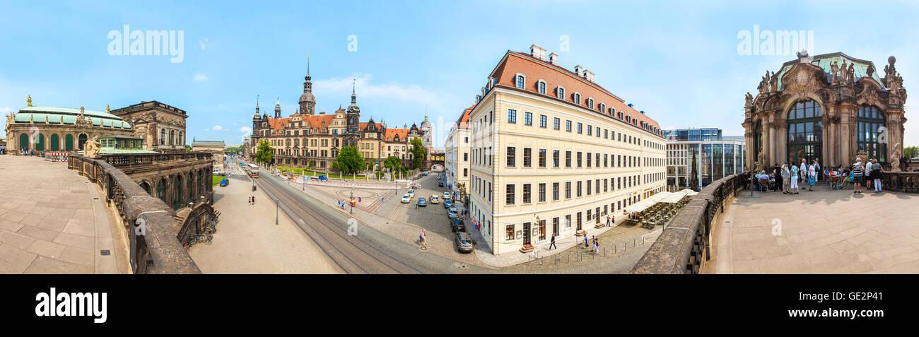 Vue panoramique depuis le Zwinger sur le cœur historique de Dresde. Banque D'Images
