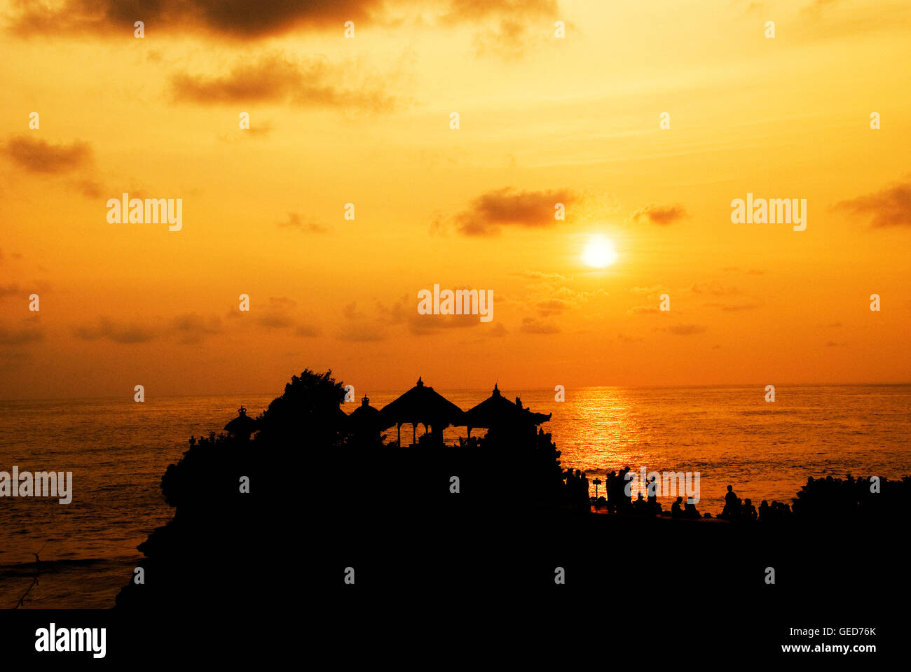 Les couchers de soleil de Bali Tanah Lot Photo Stock