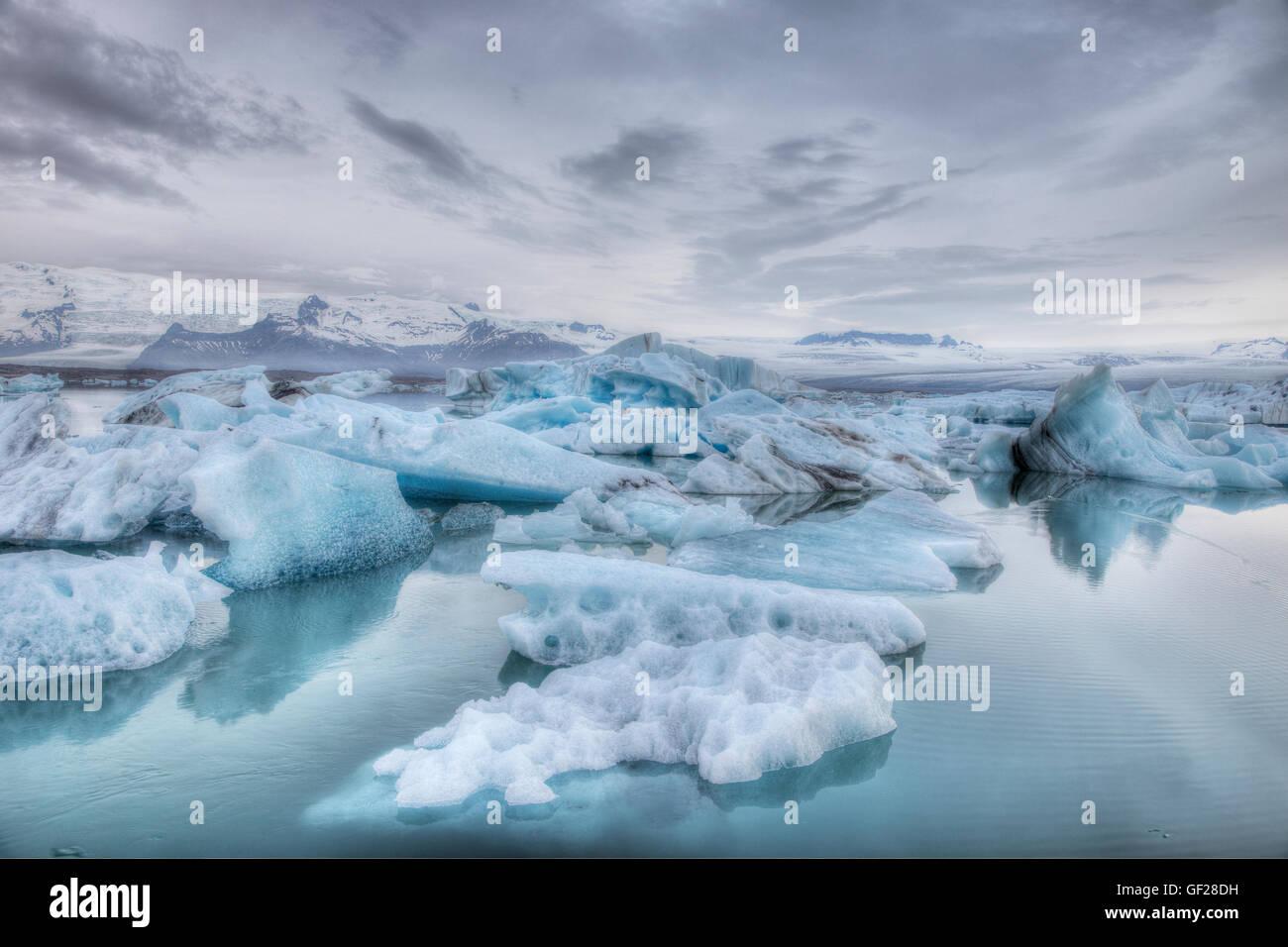 Les icebergs bleu lagon Jokulsarlon Islande LA009229 Photo Stock