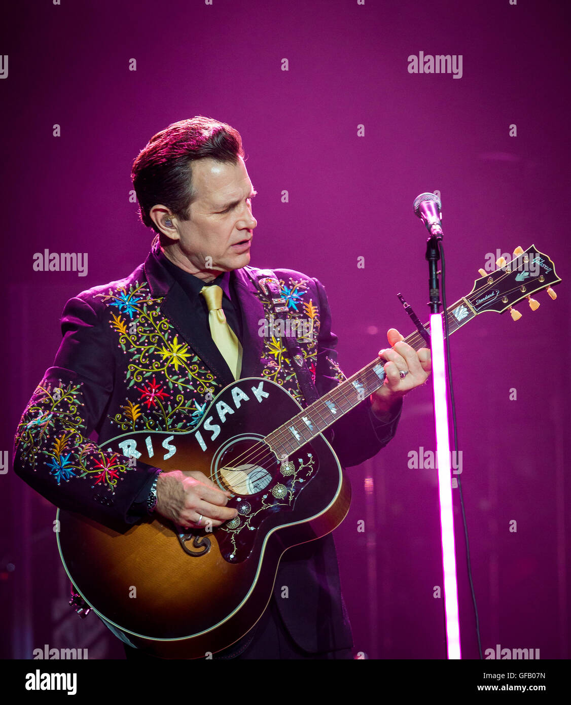 Las Vegas, Nevada, USA. 30 juillet, 2016. Chris Isaak effectue au niveau de l'articulation du Hard Rock Hotel & Casino à Las Vegas, NV le 30 juillet 2016. Crédit : Erik Kabik Photographie/ MediaPunch Banque D'Images