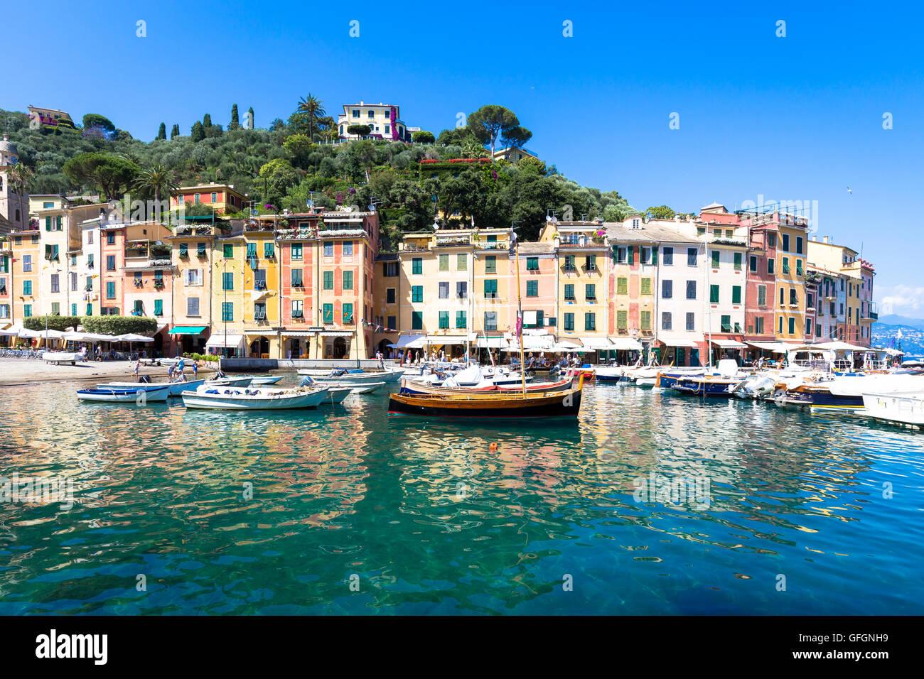 Près de Cinque Terre, Portofino est l'un des plus beaux et de la mode de la ville. Photo Stock