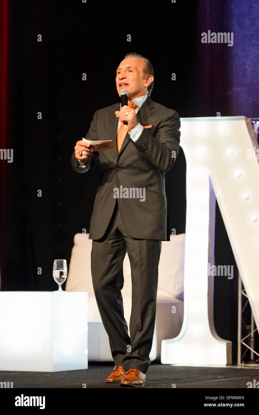 "Las Vegas, Nevada, USA. 30 juillet, 2016. Ray ""Boom Boom"" Mancini honoré lors de la 4e Conférence annuelle Nevada Boxing Hall of Fame Intronisation Crédit: Ken Howard/Alamy Live News Banque D'Images"