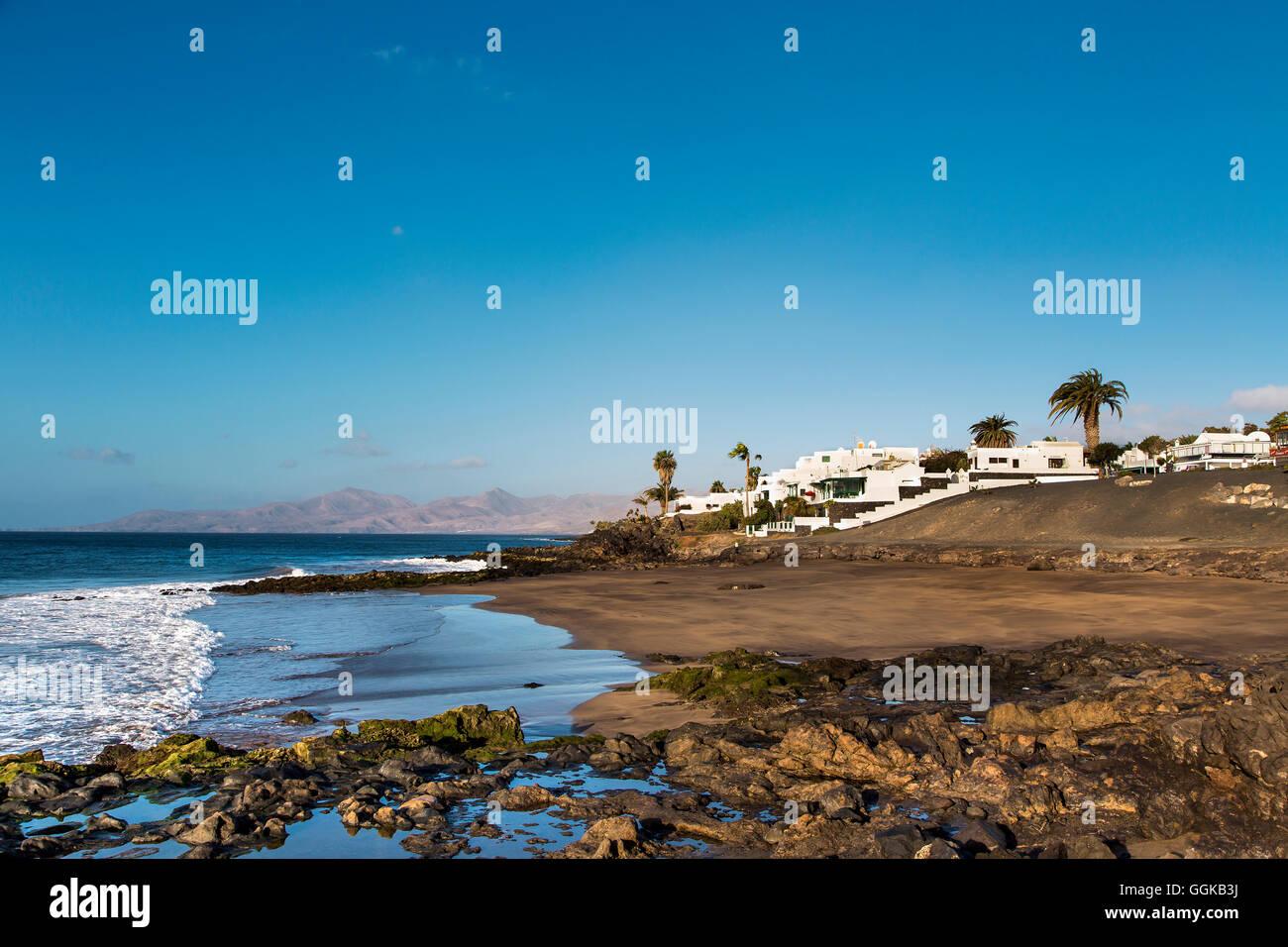 Plage, Playa del Barranquillo, Puerto del Carmen, Lanzarote, îles Canaries, Espagne Banque D'Images
