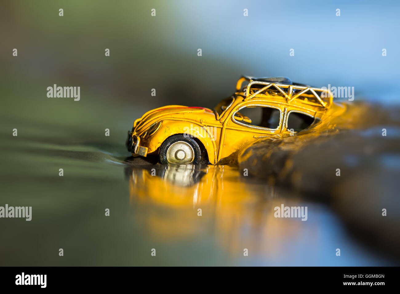 Ocean Travel Background Petite En Voiture Jouet Jaune Concept F1JTlKc3