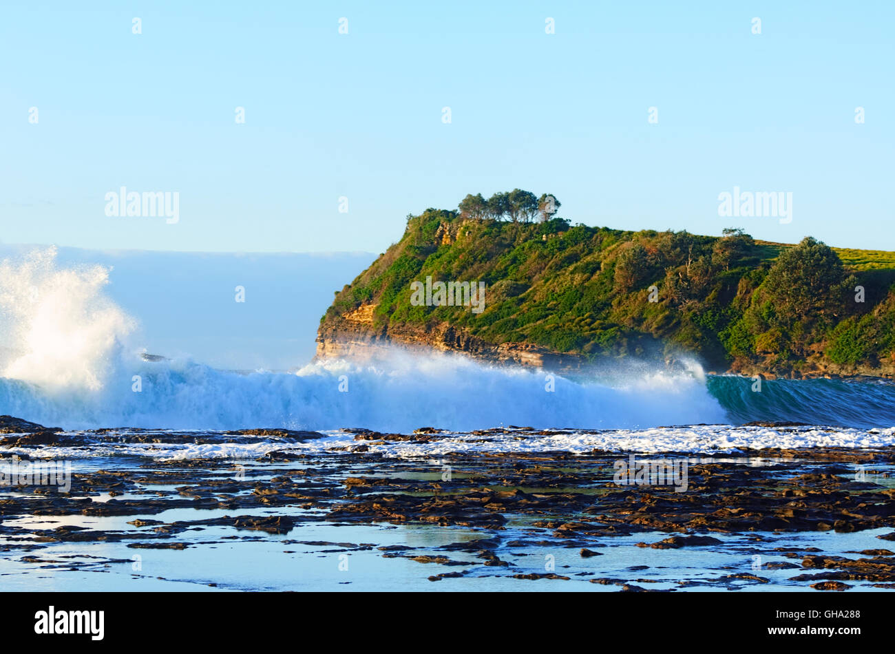 Mer forte à Boat Harbour, Gerringong, Côte d'Illawarra, New South Wales, NSW, Australie Photo Stock