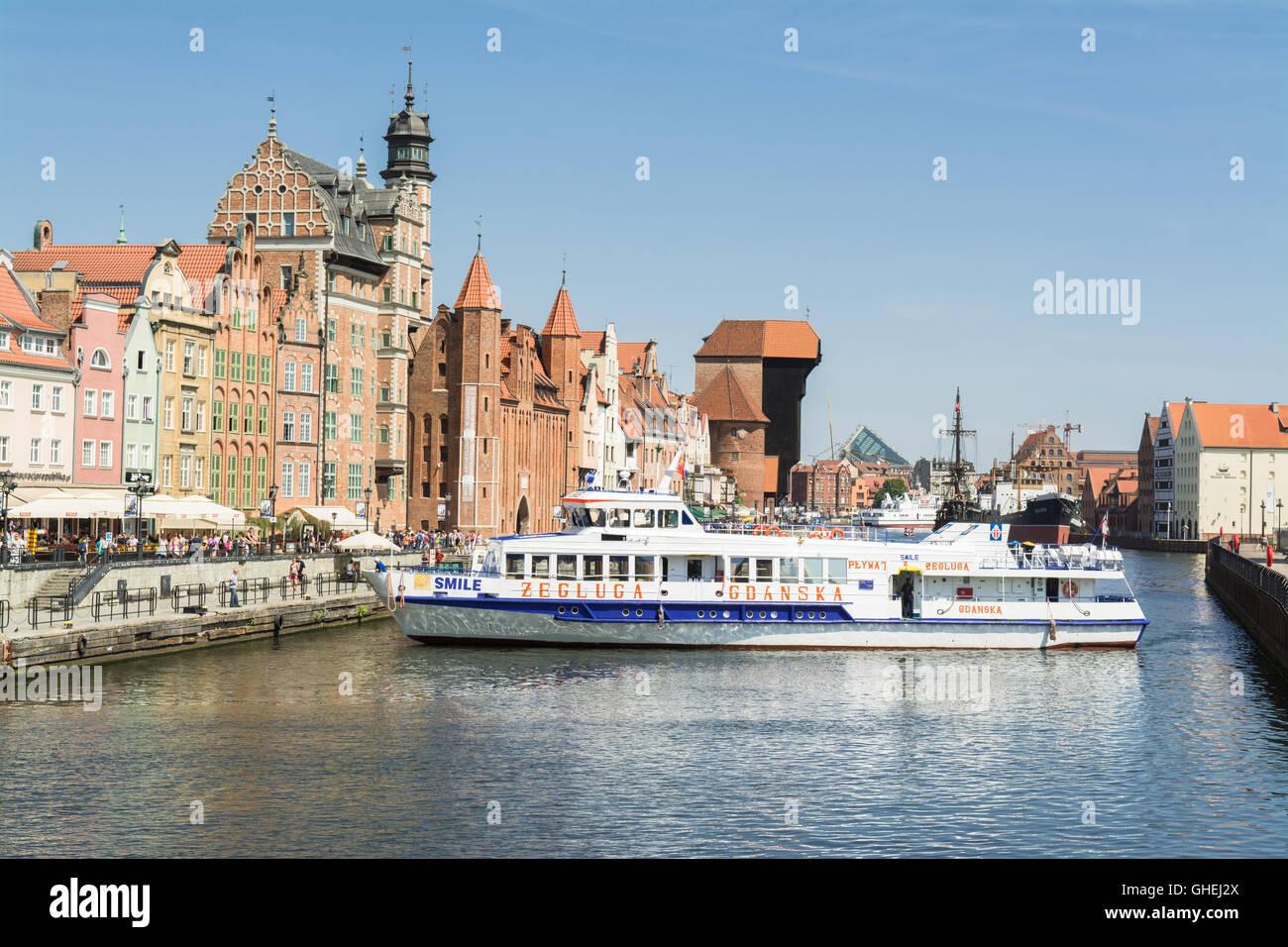 La vieille ville de Gdansk bateaux de croisière touristique sur la rivière Motlawa, Gdansk, Pologne Photo Stock
