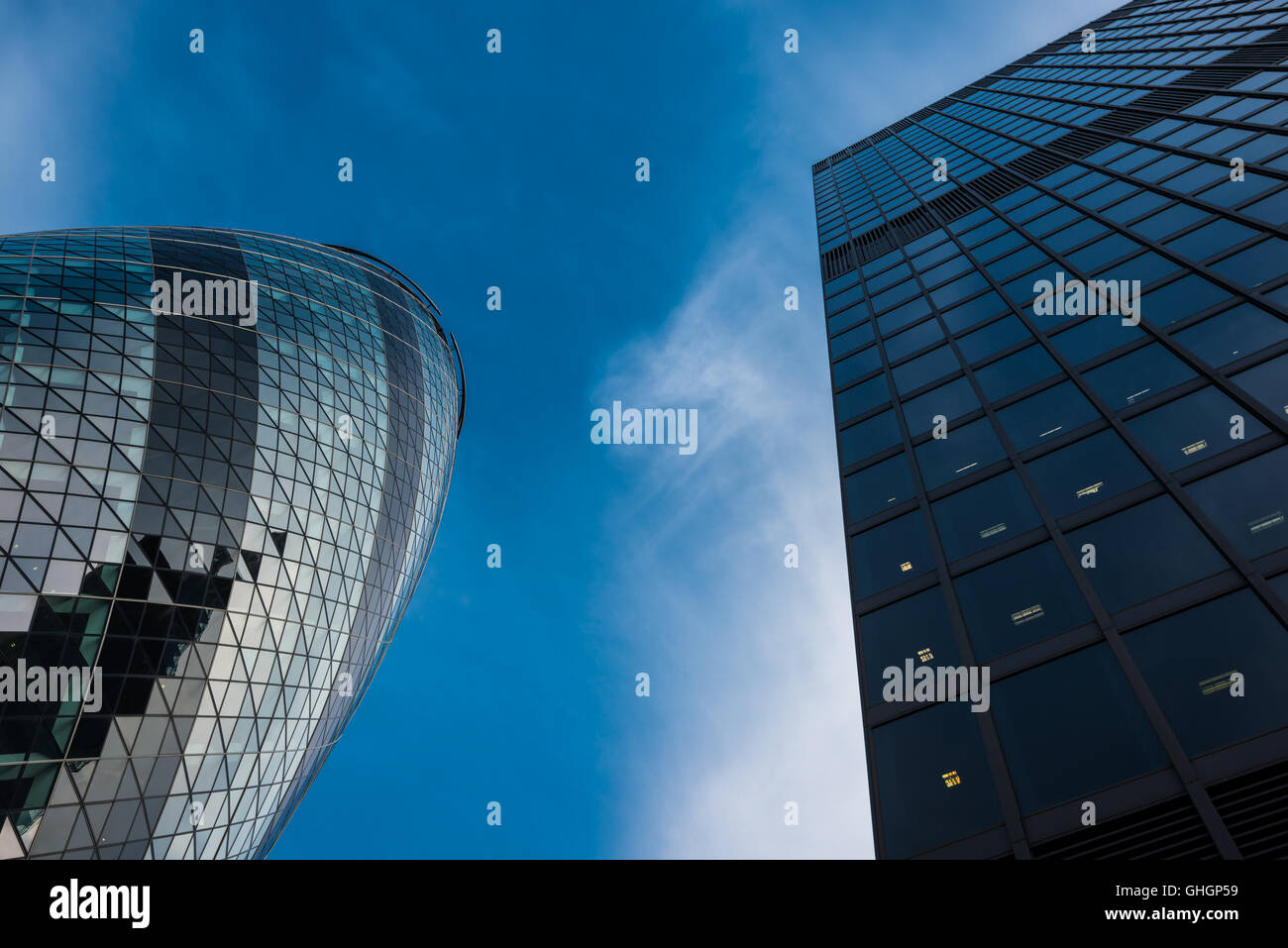 Le Gherkin office building, City of London, Londres, Royaume-Uni Photo Stock