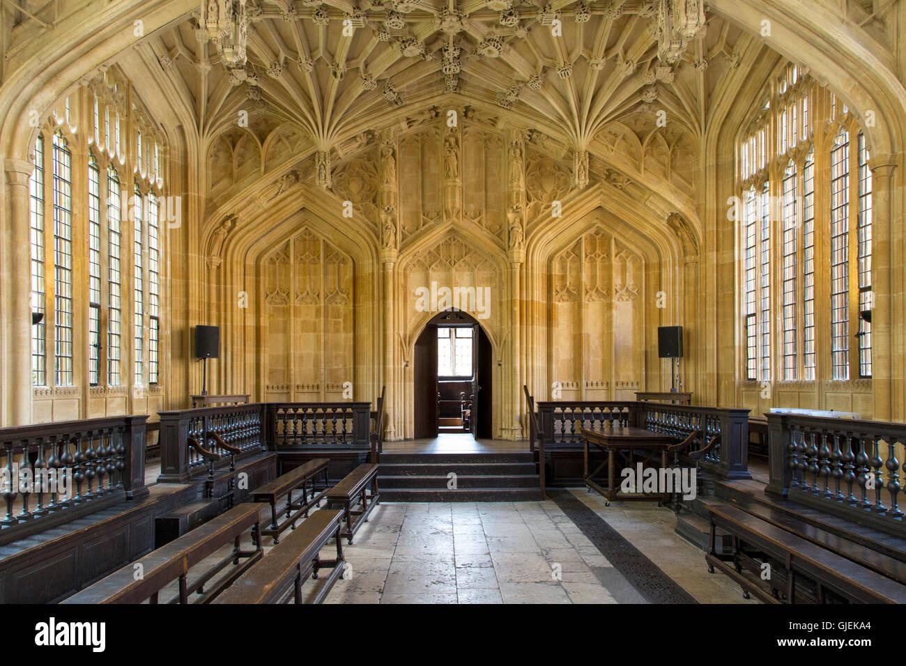 Intérieur de la Divinity School - 1488, une partie de l'actuelle bibliothèque bodléienne, Oxford, Oxfordshire, Angleterre Banque D'Images