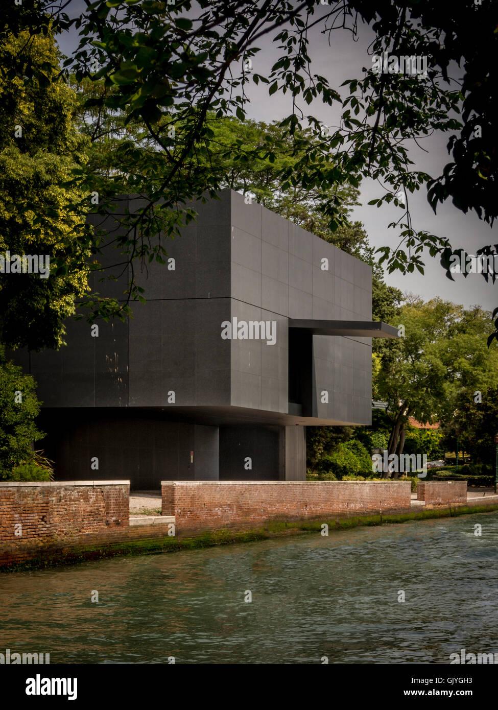 Pavillon de l'Australie avec vue sur le canal Rio dei Giardini, Giardini della Biennale. Une exposition d'architecture Photo Stock