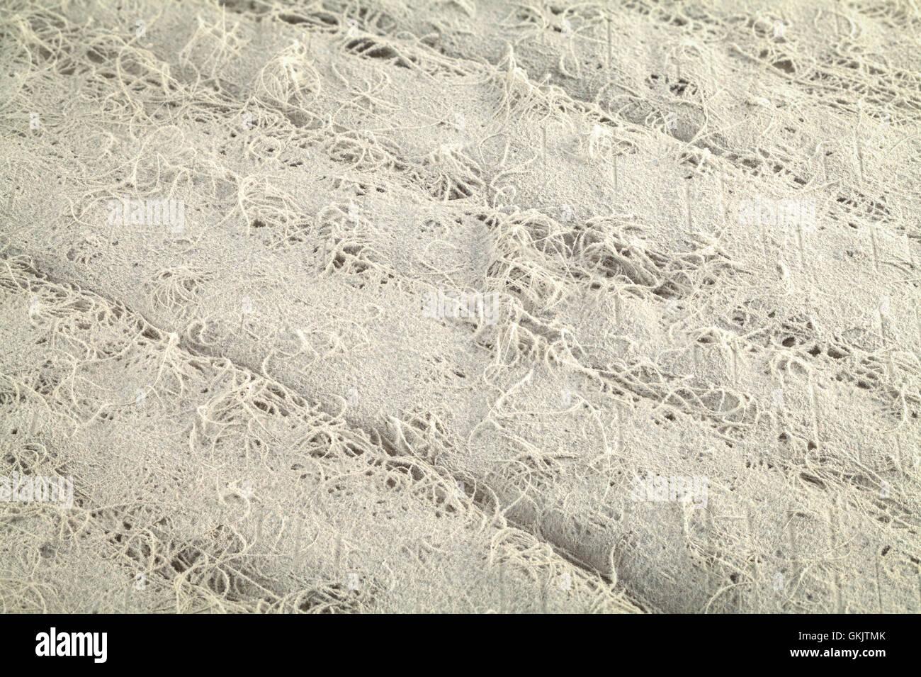 Filtre à air sale et poussiéreux texture de fond gris. Photo Stock