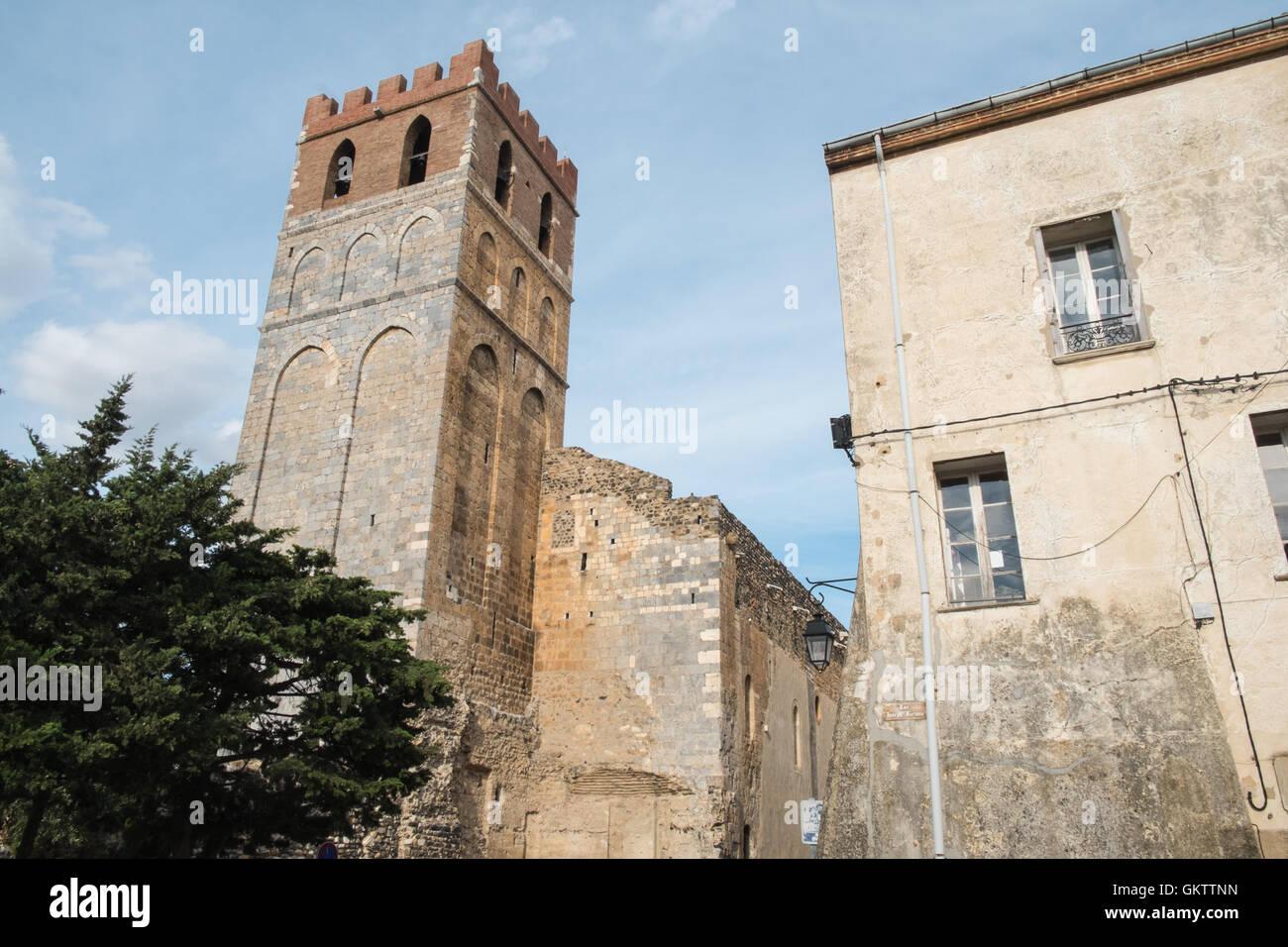 L'église catholique Sainte Marie bell tower village d'espira de l'Agly en Languedoc Roussillion,Pyrénées Orientales,Midi Banque D'Images
